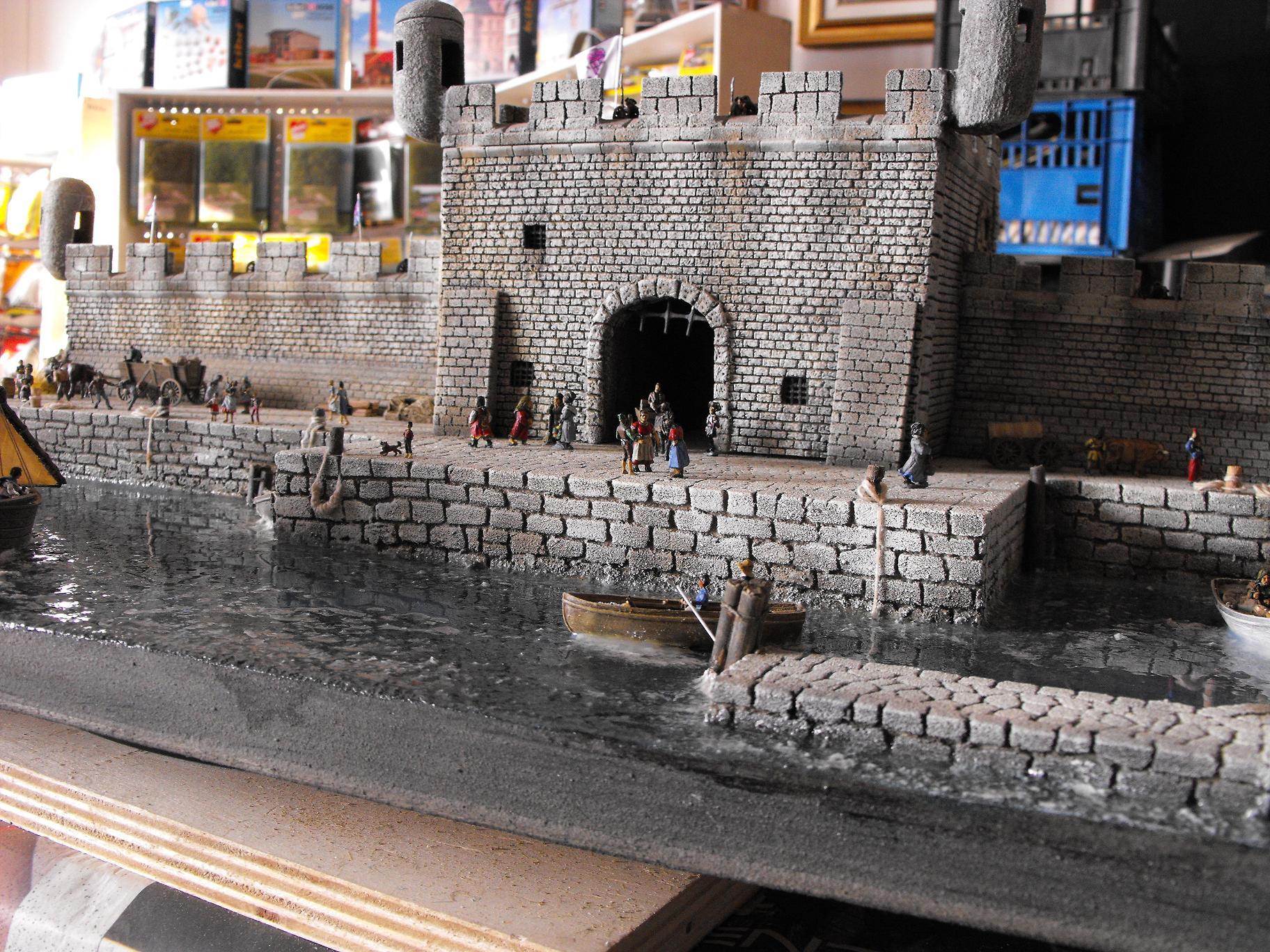 Diorama con castello spagnolo scala 1/87
