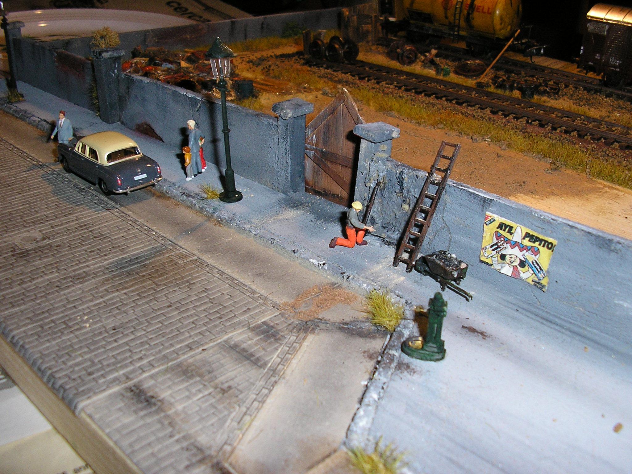 Plastico ferroviario scala 1/87 cittadino ( autore Rustichelli con materiale Abbiati Wargames )