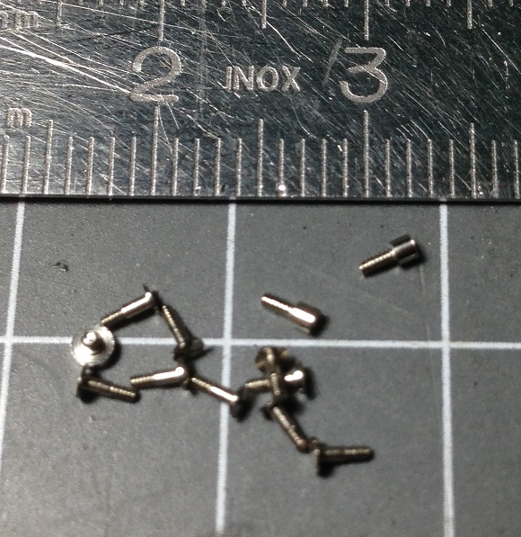 METAL SCREWS 04